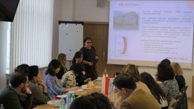 Prezentacja działalności ORE – wicedyrektor Grażyna Wiśniewska